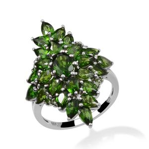 Russian Diopside Platinum Over Sterling Silver Ring (Size 8) TGW 7.000 cts.