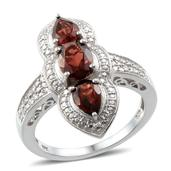 Mozambique Garnet Platinum Over Sterling Silver Ring (Size 9.0) TGW 3.400 cts.