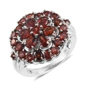Mozambique Garnet Platinum Over Sterling Silver Ring (Size 8.0) TGW 6.39 cts.