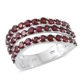 Anthill Garnet Platinum Over Sterling Silver Ring (Size 7.0) TGW 3.36 cts.