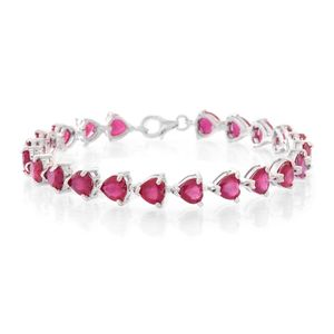 Niassa Ruby Sterling Silver Linking Hearts Bracelet (7.50 In) TGW 33.00 cts.