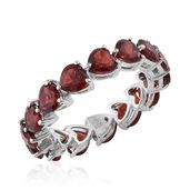 Mozambique Garnet Platinum Over Sterling Silver Heart Eternity Ring (Size 10.0) TGW 7.40 cts.