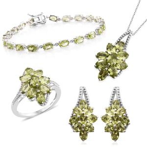 Mega Doorbuster Hebei Peridot Platinum Over Sterling Silver Split Floral Bracelet (7.50 in), Earrings, Ring (Size 6) and Pendant With Chain (20.00 In) TGW 23.10 cts.