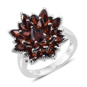 Mozambique Garnet Platinum Over Sterling Silver Flower Ring (Size 7.0) TGW 7.30 cts.
