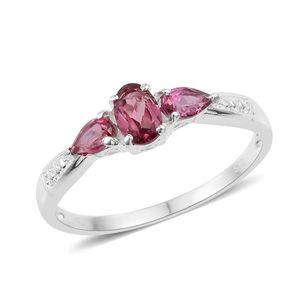 Orissa Rose Garnet Sterling Silver Trilogy Ring (Size 7.0) TGW 1.10 cts.