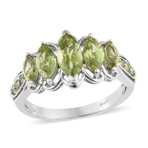 Hebei Peridot Platinum Over Sterling Silver Ring (Size 7.0) TGW 3.01 cts.