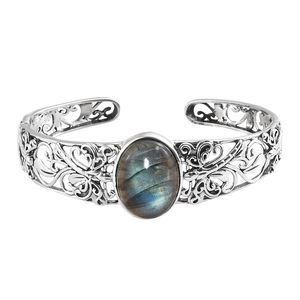 Artisan Crafted Malagasy Labradorite Sterling Silver Cuff (6.50 in) TGW 20.00 cts.